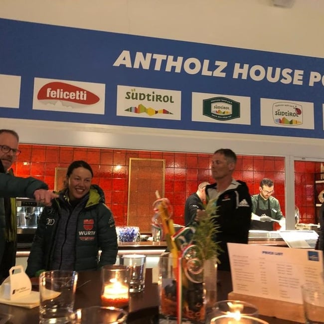08.03.2019 - Laura Dahlmeier ha festeggiato il bronzo della sprint all'Antholz House