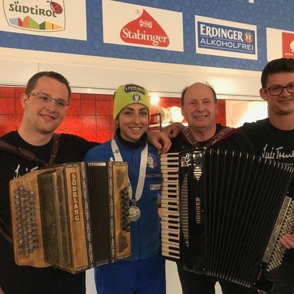 13.03.2019 - Lisa Vittozzi celebrated her first indivdual medal at the Antholz House.
