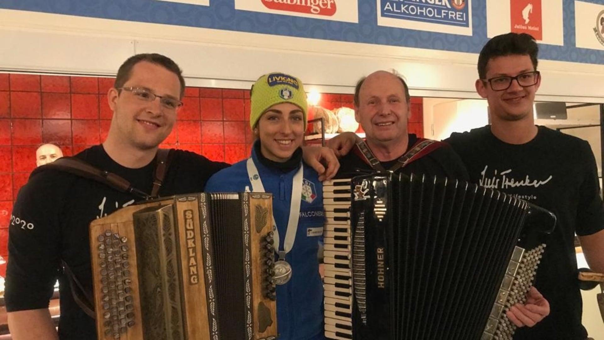 13.03.2019 - Lisa Vittozzi feierte ihre erste Einzelmedaille im Antholz House.