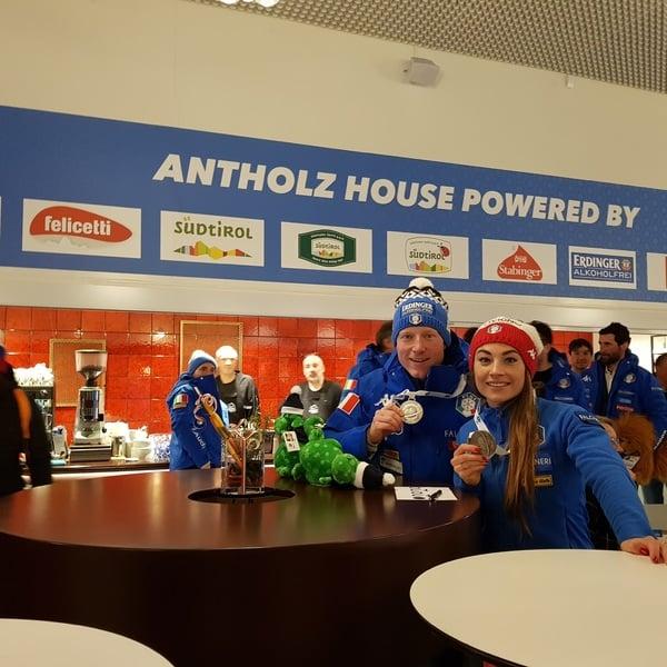 15.03.2019 - Festliche Atmosphäre gestern Abend im Antholz House für das gesamte italienische Team und die Mitarbeiter des Restaurants