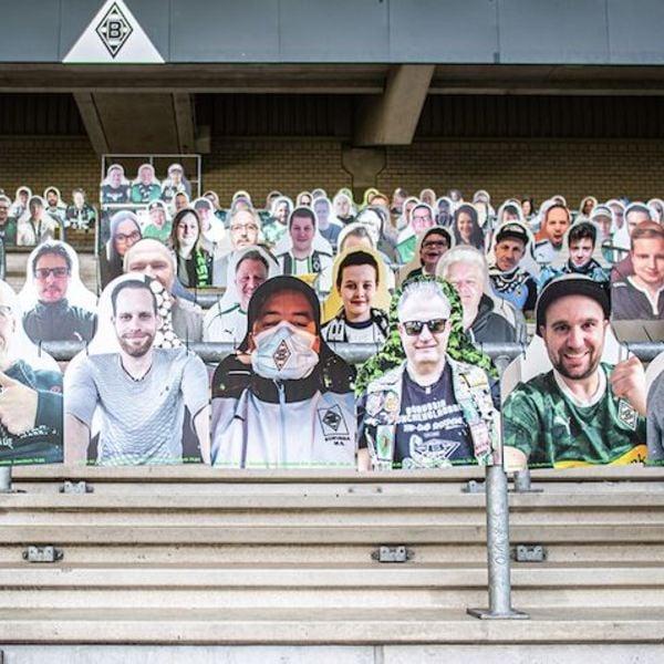 23.12.20 - #AntholzFamily - CardBoard Fans in der Südtirol Arena
